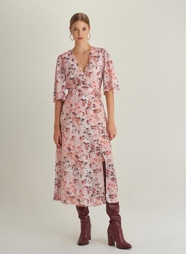 NGSTYLE Çiçek Desenli Yırtmaçlı Elbise Somon